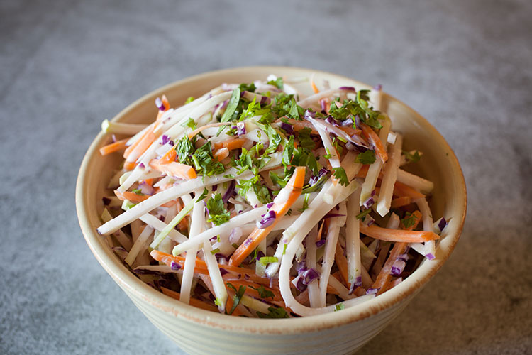 Kohlrabi Slaw With Salmon Lara S Kitchen Stories